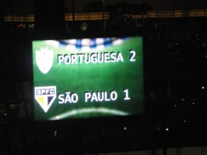 O placar final da partida no Estadio do Canindé