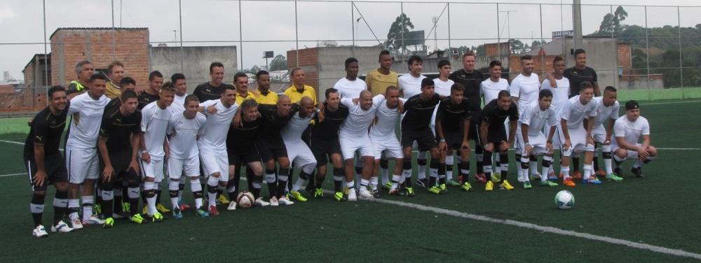 Com festa dentro e fora de campo, Amigos de Neilton derrotam Amigos de Thiago Ribeiro em amistoso beneficente em Diadema (1/4)
