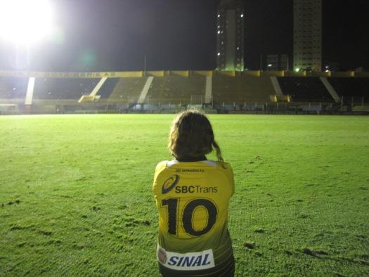 "Giovanna tem no Estadio 1º de Maio o seu ""templo sagrado"" (Foto: Gustavo Tomazeli)"